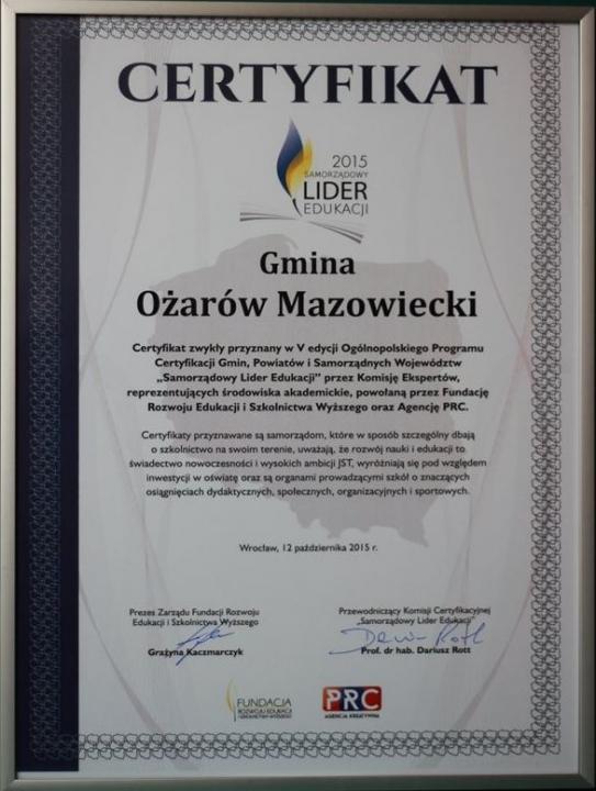 Certyfikat-Ożarów Mazowiecki Samorządowym Liderem Edukacji 2015